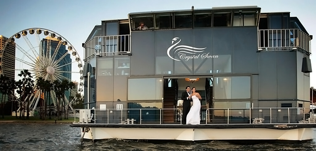 Best_Wedding_Venue_Crystal_Swan-2.jpg