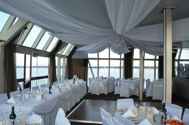 Boat_Rebecca_and_Troy_wedding.jpg