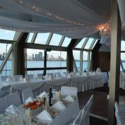 Crystal_Swan_Wedding_Setting_640x424.jpg