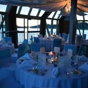 41Oct_-_Wedding_Round_Tables_640x424.jpg