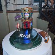 Cake_-_Cirque_du_Soleil_Kooza.jpg