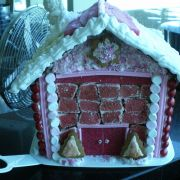 Gingerbread_House_Decorated.jpg