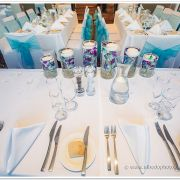 Crystal_swan_bridal_table_centrepiece.jpg